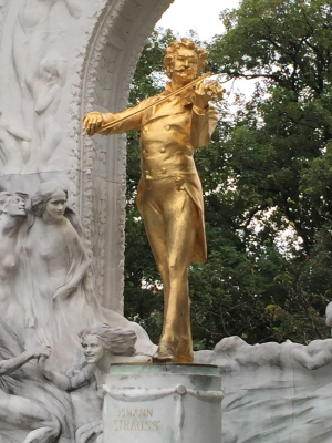 Johann Strauss in beautiful Stadtplaz in Vienna